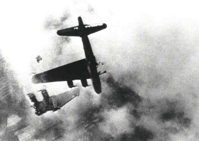 WWII-bomber-shotdown