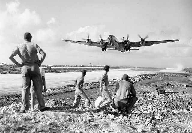 b29-world-war-ii-landing-pacific