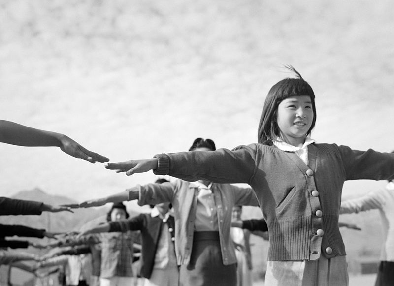 japanese-internment-camp-citizens