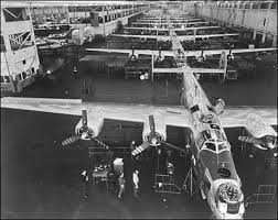 ww2-douglas-airplane-factory