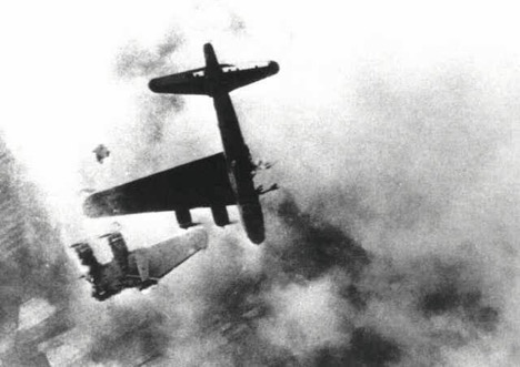 b17-flying-fortress-ww2-shot-down